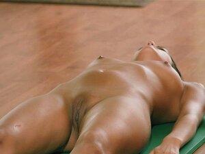 Von hinten frauen nackt rasiert Blank Rasiert