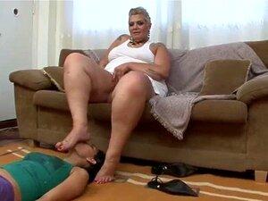 Lecken oma füße Oma Sohlen