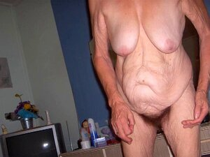 Opa nackte Naked moms