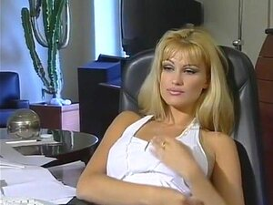 Nuda eva henger Eva Henger